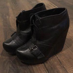Steve Madden platform wedge boots size 6